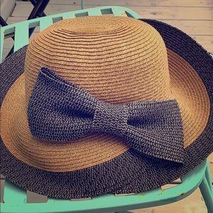 Tan/grey sun hat